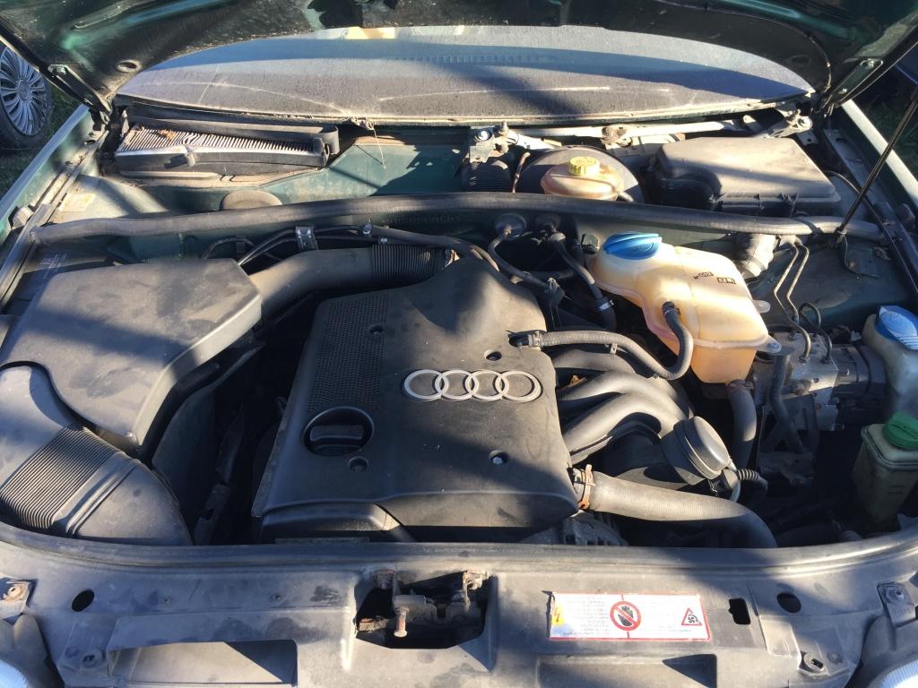 Volanta Audi A4 B5 2000 berlina 1,6 benzina