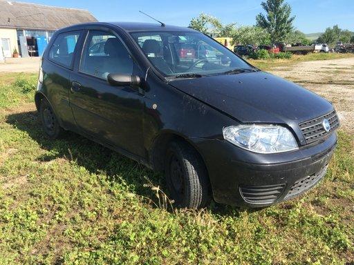 Volanta Fiat Punto 2004 hatchback 1248