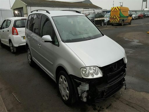 Volanta VW Touran An 2004